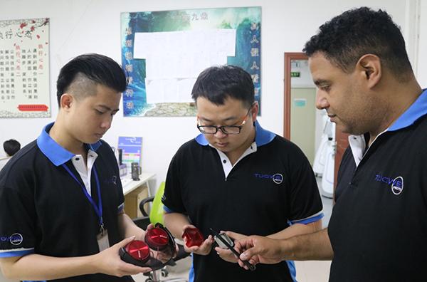 深圳五金手板厂的美国技术总监